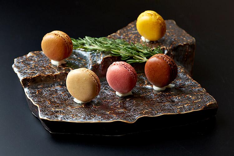 R1 Tokyo Dessert Macarons